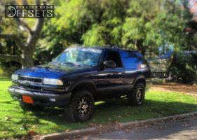 "2000 Chevrolet Blazer - 15x8 0mm - Alloy Ion Style 187 - Leveling Kit - 31"" x 10.5"""
