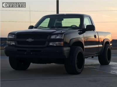 """2005 Chevrolet Silverado 1500 - 20x12 -44mm - Gear Off-Road 726b - Level 2"""" Drop Rear - 32"""" x 12.5"""""""