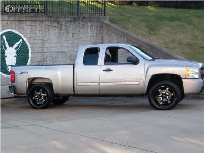 "2009 Chevrolet Silverado 1500 - 20x9 -12mm - Hostile Knuckles - Stock Suspension - 33"" x 12.5"""