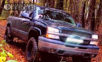 "2003 Chevrolet Silverado 1500 - 18x10 -24mm - Moto Metal Mo970 - Leveling Kit - 33"" x 12.5"""