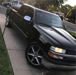 "2000 Chevrolet Silverado 1500 - 22x9 38mm - Helo He887 - Level 2"" Drop Rear - 285/45R22"