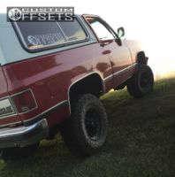 "1990 Chevrolet Blazer - 17x9 12mm - Red Dirt Road Rd01 - Suspension Lift 4"" - 35"" x 12.5"""