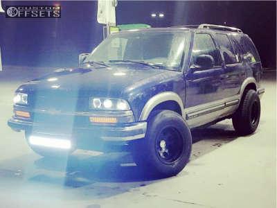 "1998 Chevrolet Blazer - 15x10 -46mm - Pro Comp Series 69 - Stock Suspension - 30"" x 11.5"""