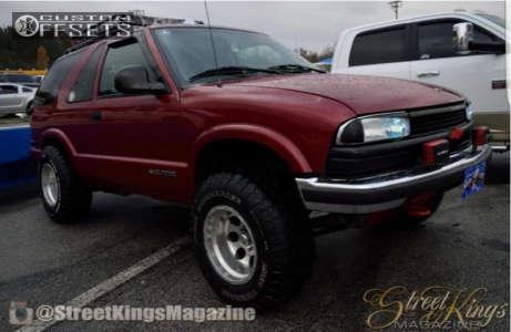 "1998 Chevrolet Blazer - 15x10 -46mm - American Eagle 58 - Stock Suspension - 31"" x 10.5"""