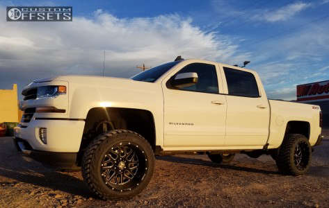 "2016 Chevrolet Silverado 1500 - 20x12 -44mm - Hostile Sprocket - Suspension Lift 4.5"" - 285/55R20"