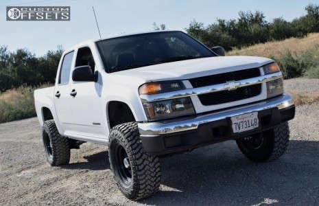 "2005 Chevrolet Colorado - 15x8 -15mm - Pro Comp 52 - Suspension Lift 3"" - 31"" x 10.5"""
