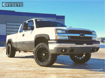 "2005 Chevrolet Silverado 1500 - 20x10 -19mm - Hostile Gauntlet - Suspension Lift 2.5"" - 285/55R20"