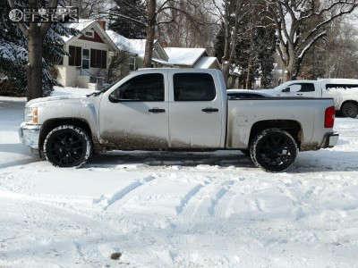 """2012 Chevrolet Silverado 1500 - 22x9 31mm - Wheel Replicas V1176 - Level 2"""" Drop Rear - 305/40R22"""