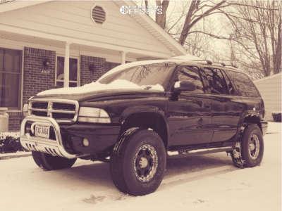 "2001 Dodge Durango - 16x8 0mm - Helo He842 - Suspension Lift 3"" - 285/75R16"