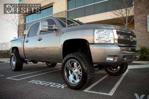 "2007 Chevrolet Silverado 1500 - 20x10 -25mm - Ultra Predator - Suspension Lift 6.5"" - 33"" x 12.5"""