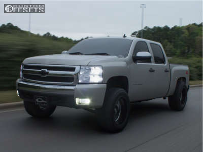"2007 Chevrolet Silverado 1500 - 20x12 -44mm - Hostile Sprocket - Suspension Lift 3.5"" - 33"" x 12.5"""