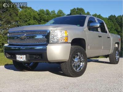 2007 Chevrolet Silverado 1500 - 18x9 1mm - Fuel Maverick - Leveling Kit - 275/70R18