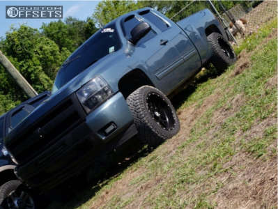 "2011 Chevrolet Silverado 1500 - 20x10 -19mm - Hostile Sprocket - Suspension Lift 4"" - 275/55R20"