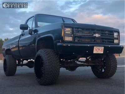 "1986 Chevrolet K20 - 22x14 -76mm - Fuel Maverick - Suspension Lift 4"" - 35"" x 12.5"""