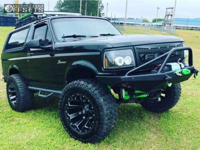 "1992 Ford Bronco - 20x12 -44mm - Fuel Assault - Suspension Lift 6"" - 37"" x 13.5"""