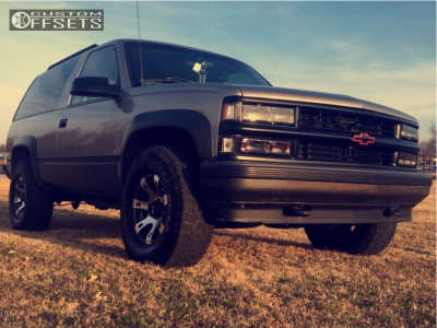 1998 Chevrolet Tahoe - 16x8 10mm - American Outlaw Sheriff - Stock Suspension - 285/75R16