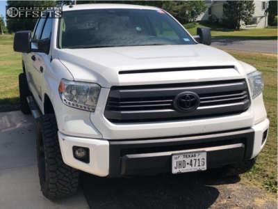 "2014 Toyota Tundra - 20x10 -24mm - XD XD820 - Leveling Kit - 33"" x 12.5"""