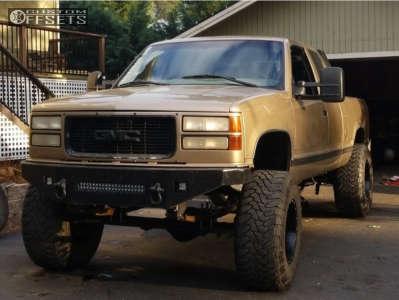 """1999 GMC K1500 - 18x12 -44mm - Fuel Maverick D538 - Suspension Lift 7.5"""" - 37"""" x 13.5"""""""