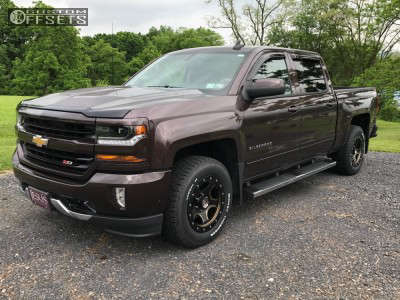 2016 Chevrolet Silverado 1500 - 18x9 18mm - Centerline Rt3 - Stock Suspension - 265/65R18