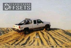 """1998 Chevrolet K1500 - 15x12 -73.66mm - Weld Racing T53 - Suspension Lift 6"""" - 36"""" x 14.5"""""""