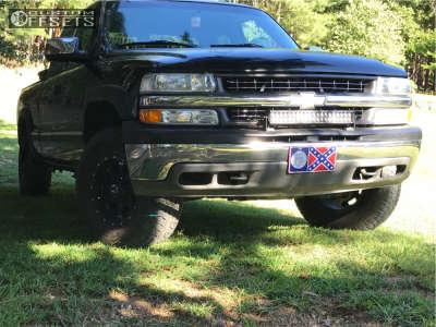 2002 Chevrolet Silverado 1500 - 16x8 0mm - Raceline Assault - Leveling Kit - 265/75R16
