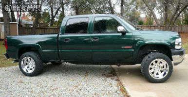 "2001 Chevrolet Silverado 2500 HD - 20x12 -44mm - Moto Metal MO972 - Level 2"" Drop Rear - 33"" x 12.5"""