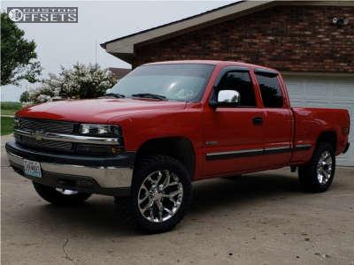 "2000 Chevrolet Silverado 1500 - 20x9 24mm - OE Performance 176 - Suspension Lift 2.5"" - 33"" x 12.5"""