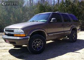 "1998 Chevrolet Blazer - 15x7 -6mm - American Racing ATX Ledge - Leveling Kit - 30"" x 9.5"""