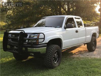 """2003 Chevrolet Silverado 1500 - 18x9 1mm - Fuel Titan - Suspension Lift 4.5"""" - 295/70R18"""