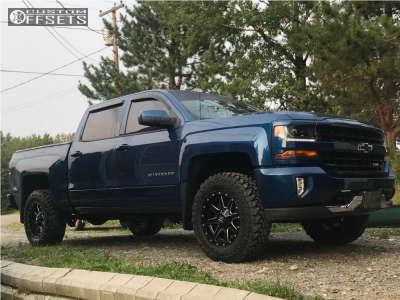 "2018 Chevrolet Silverado 1500 - 18x9 -12mm - Fuel Maverick D610 - Suspension Lift 2.5"" - 275/70R18"