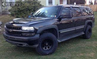2002 Chevrolet Suburban - 16x8.5 -25mm - Level 8 Tracker - Leveling Kit - 285/75R16