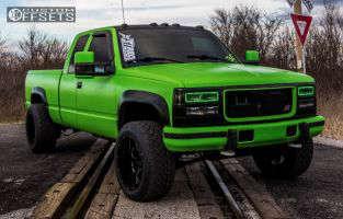 1997 Chevrolet K2500 - 20x12 -44mm - XD XD825 - Stock Suspension - 305/50R20