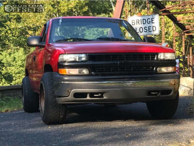 "2000 Chevrolet Silverado 1500 - 20x12 -52mm - Method Nv - Level 2"" Drop Rear - 275/55R20"