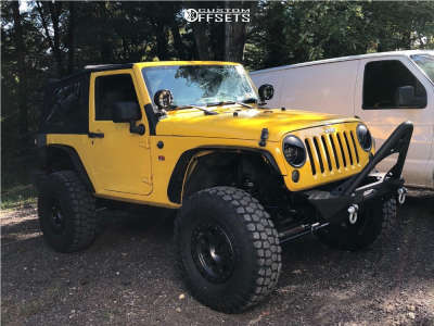 "2009 Jeep Wrangler - 16x8.5 -6mm - Level 8 Bully Pro - Suspension Lift 3.5"" - 315/75R16"