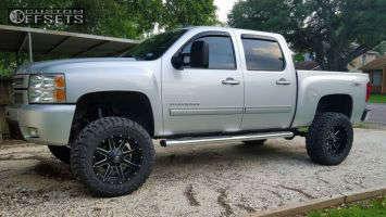 """2013 Chevrolet Silverado 1500 - 20x10 -12mm - Fuel 538 - Suspension Lift 7.5"""" - 35"""" x 12.5"""""""