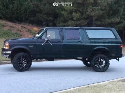 """1992 Ford Bronco - 22x10 -18mm - Moto Metal Mo986 - Suspension Lift 4"""" - 33"""" x 12.5"""""""