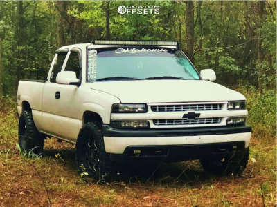 "2001 Chevrolet Silverado 1500 - 20x9 -12mm - Moto Metal Mo964 - Level 2"" Drop Rear - 33"" x 12.5"""