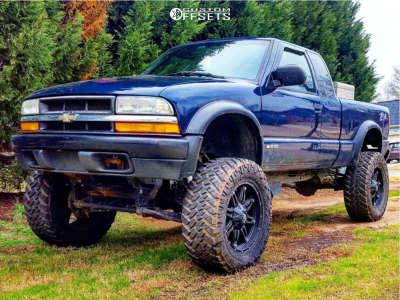 "2000 Chevrolet S10 - 20x9 14mm - Fuel Hostage D531 - Suspension Lift 6"" & Body 3"" - 35"" x 12.5"""