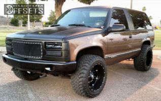 "1994 Chevrolet Blazer - 20x12 -44mm - Fuel Hostage - Stock Suspension - 33"" x 12.5"""