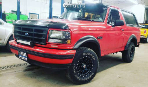 """1996 Ford Bronco - 15x8 -19mm - DX4 Gear - Stock Suspension - 31"""" x 10.5"""""""
