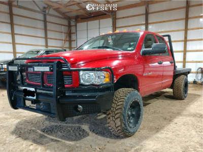 2003 Dodge Ram 3500 - 18x12 -44mm - Fuel 538 - Leveling Kit - 285/65R18