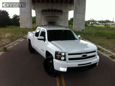 2010 Chevrolet Silverado 1500 - 26x9.5 30mm - 2Crave N04 - Leveling Kit - 305/30R26