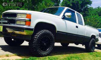 "1994 Chevrolet K1500 - 17x9 -12mm - Red Dirt Road Dirt - Suspension Lift 3"" - 33"" x 12.5"""