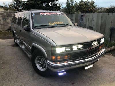 """1999 Chevrolet Suburban - 15x8 -6mm - American Racing Nitro - Stock Suspension - 31"""" x 10.5"""""""
