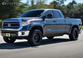 """2014 Toyota Tundra - 20x10 -24mm - Fuel Lethal - Suspension Lift 3"""" - 33"""" x 12.5"""""""