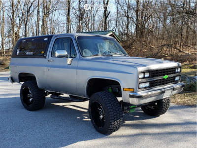 "1989 Chevrolet Blazer - 20x12 -44mm - Hostile Hammered - Suspension Lift 4"" - 305/55R20"