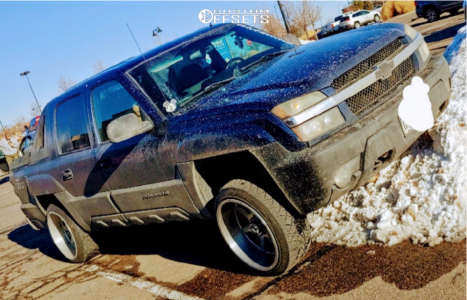 2002 Chevrolet Avalanche - 22x12 -44mm - Xtreme Force Xf4 - Leveling Kit - 275/40R22