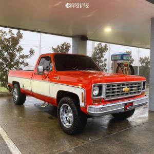 1975 Chevrolet C2500 - 18x10 -24mm - Moto Metal Mo962 - Leveling Kit - 275/70R18