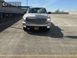 2007 Chevrolet Silverado 1500 - 17x7.5 31mm - Stock Stock - Stock Suspension - 265/70R17