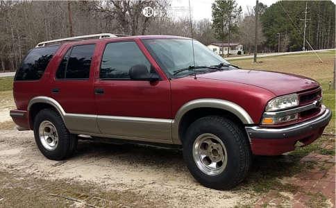 1998 Chevrolet Blazer - 16x8 0mm - Cragar D Window - Stock Suspension - 245/75R16